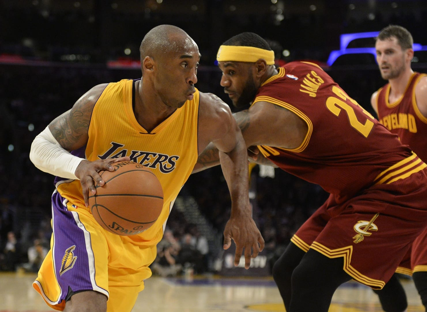 Lebron James Calls Kobe Bryant's Struggle 'a Personal Challenge'