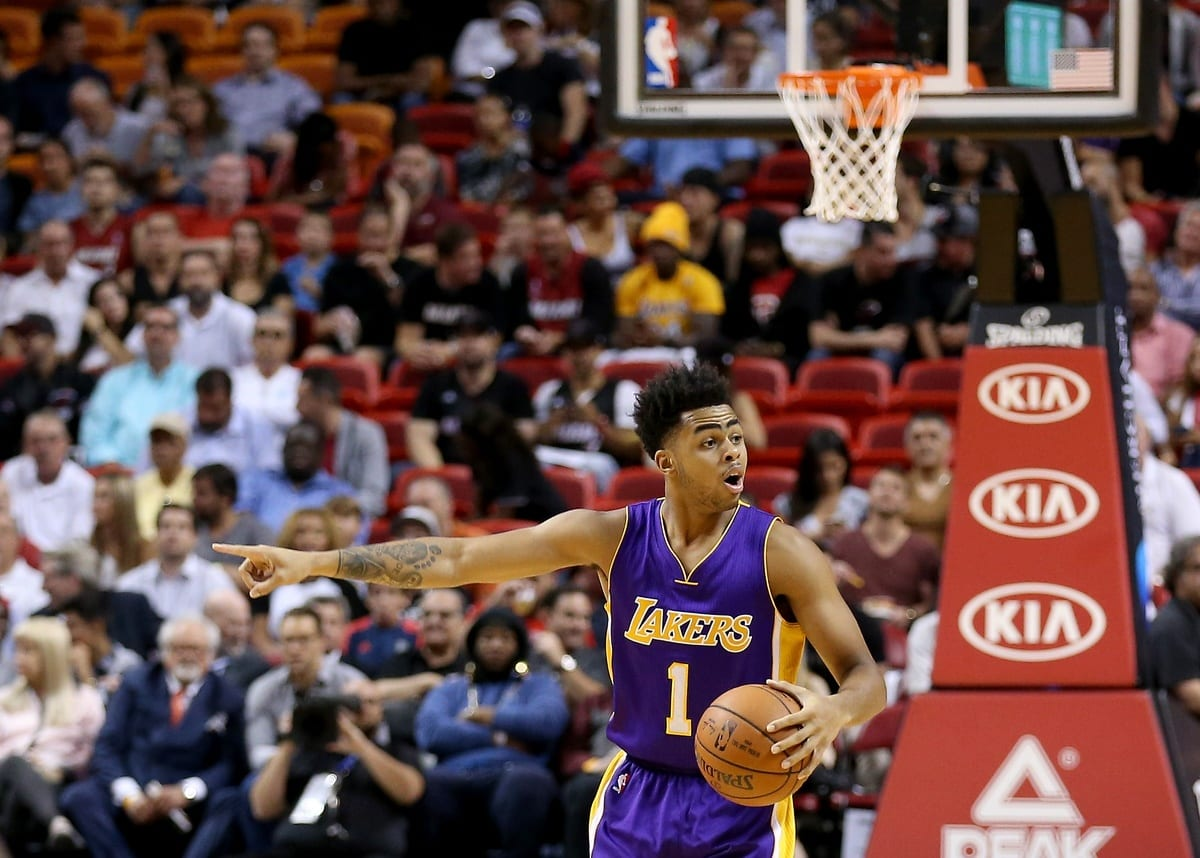 Lakers News: D'angelo Russell, Byron Scott Split Play Calling So Far