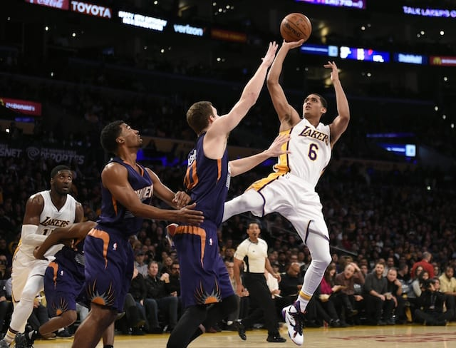 Byron Scott Discusses Larry Nance Jr., Julius Randle's Practice Battles