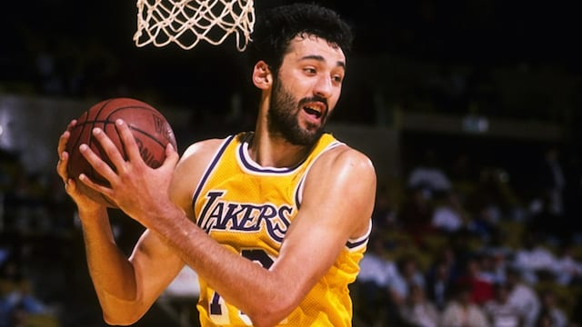 Lakers News: Vlade Divac Almost Prevented Kobe Bryant Trade In 1996