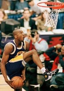 Kobe Bryant, of the Los Angeles Lakers, eyes the b