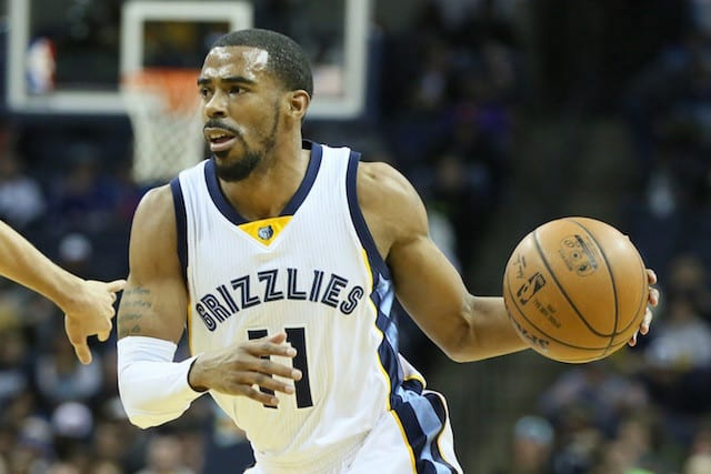 Should The Los Angeles Lakers Go After Mike Conley This Summer?