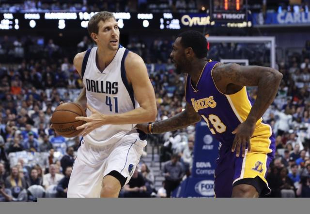 Dirk Nowtizki Tarik Black Lakers Mavericks