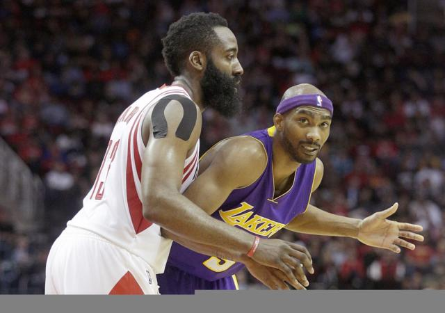 Corey Brewer Says Young Lakers Need To Learn How To Handle Adversity