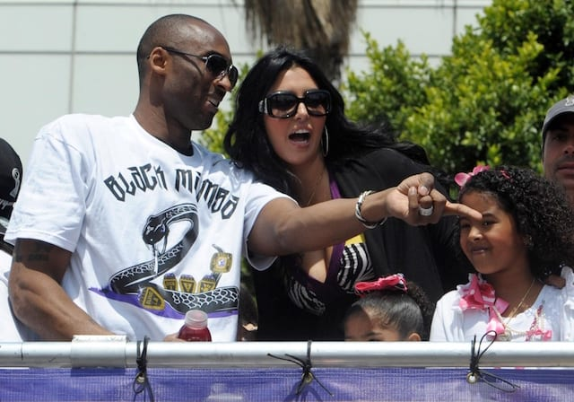 Lakers Video: Kobe Bryant Posts Video Of Daughter Shooting Turnaround Jumper