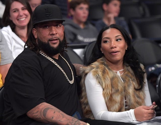 Raiders' Donald Penn Talks Kobe Bryant-derek Carr Similarities, Lakers Needing Demarcus Cousins