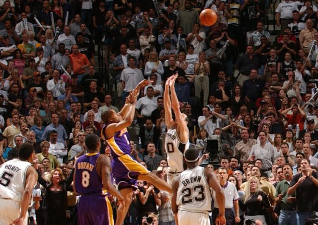 Lakers News: Robert Horry Wishes Gregg Popovich Listened To Him On Derek Fisher's 0.4 Shot