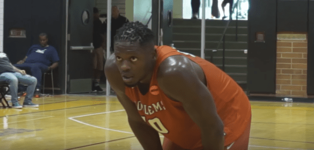 Lakers Video: Julius Randle Makes 2017 Drew League Debut And Dominates