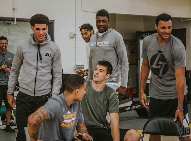 Lonzo Ball, Kyle Kuzma, Ivica Zubac, Thoma Bryant, Larry Nance Jr Lakers