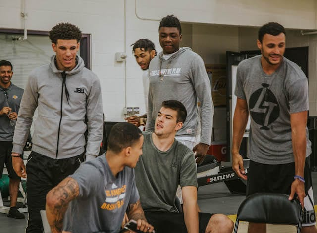 Lonzo-ball-kyle-kuzma-ivica-zubac-thoma-bryant-larry-nance-jr