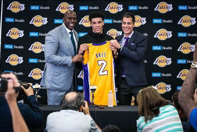 Magic-johnson-lonzo-ball-rob-pelinka