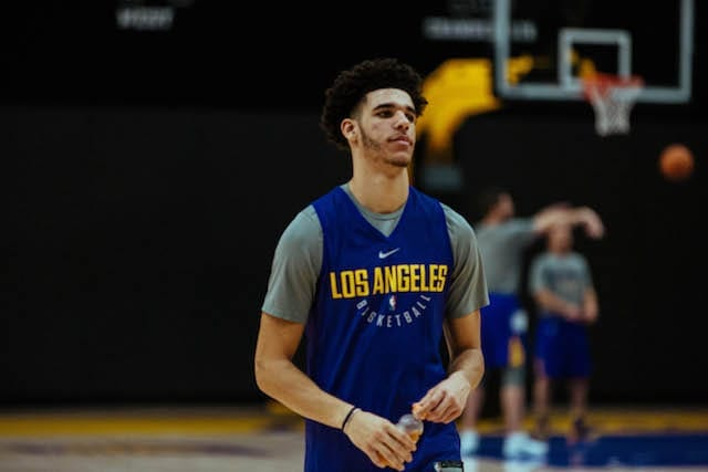Lakers-training-camp-day-3-lonzo-ball-6