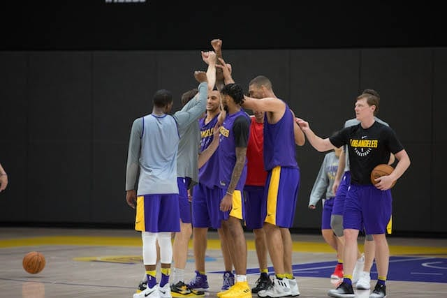 Lakerstrainingcamp-day-2-huddle-