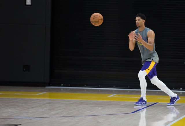 Lakers Practice Notes & Video: Lonzo Ball's Teammates Have His Back