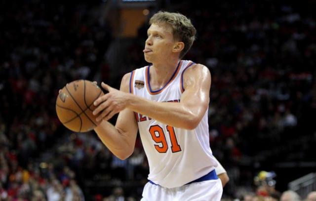 Mindaugas Kuzminskas Knicks Lakers