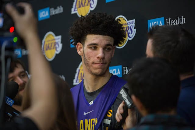 LAKERS PRACTICE 1106 - LONZO BALL-9049