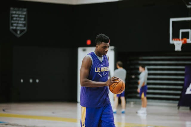 LAKERS PRACTICE 1201 - thomas bryant