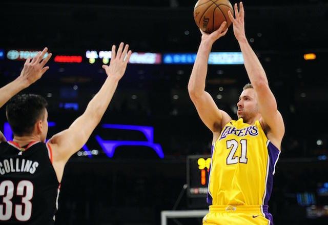 Travis Wear, Lakers