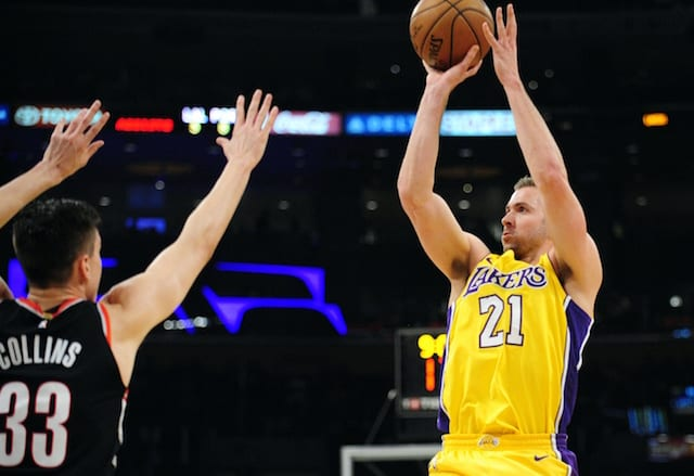 Travis Wear, Lakers