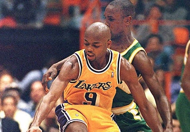 online store e5b98 508e7 This Day In Lakers History: Nick Van Exel Outduels Gary ...