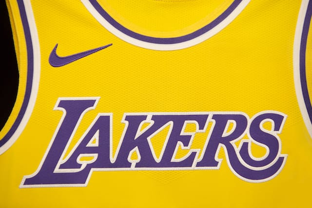 save off 0188e 13e0d Lakers Store Experiences One Of Best Selling Days With ...