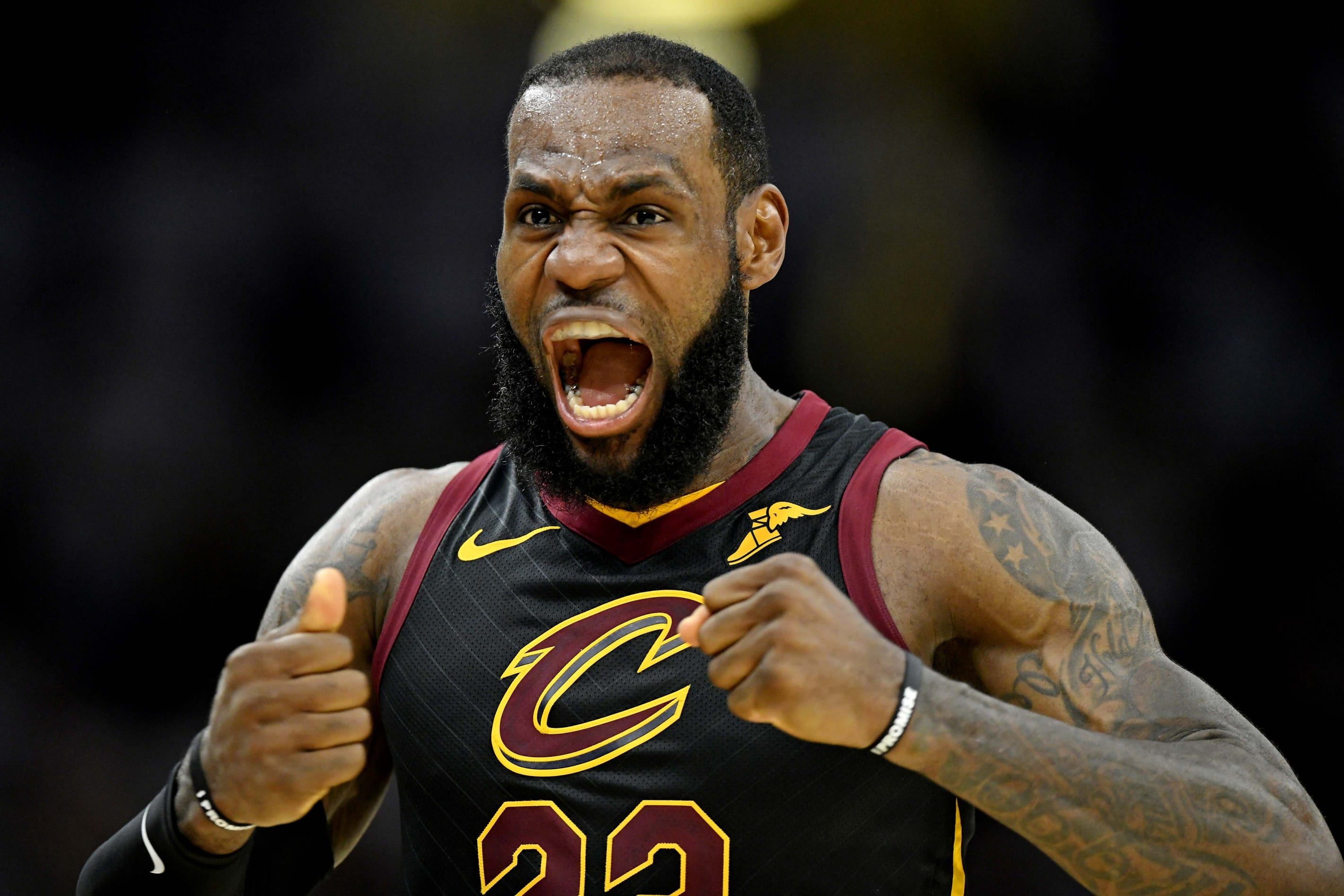 LeBron James puts pen to paper on £115m Los Angeles Lakers deal
