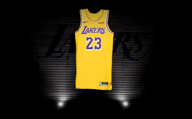 newest 81310 323d0 VIDEO: First In-Person Look At Lakers New Nike Jerseys
