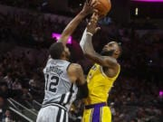 LeBron James, Lakers, Spurs