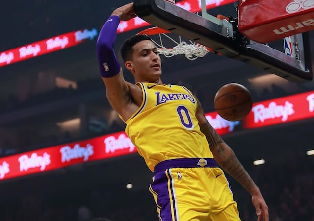 Lakers' Anthony Davis posts 40 points, 20 rebounds in win