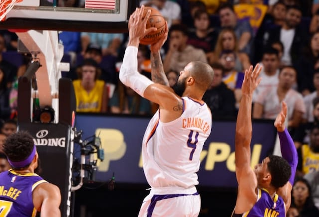 Former Sun Tyson Chandler officially signs with Lakers
