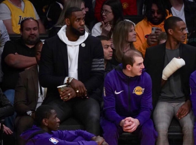 Lakers 'optimistic' about LeBron injury
