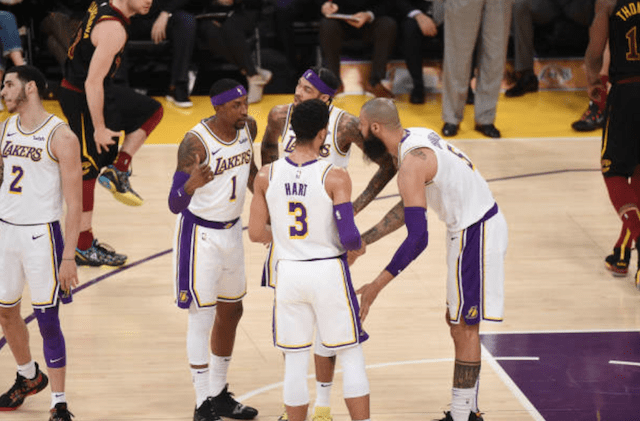 Luke Walton Credits Tyson Chandler For Stepping Up As Leader Without LeBron James, Rajon Rondo