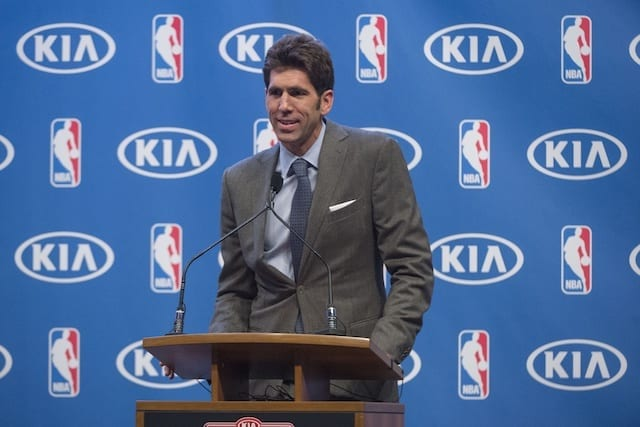 Luke Walton leaves two days after Magic Johnson