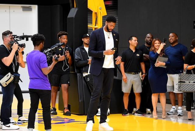 Anthony Davis Says Lakers Were Always His Top Choice, Says Lebron James Texted Him 10 Minutes After Trade
