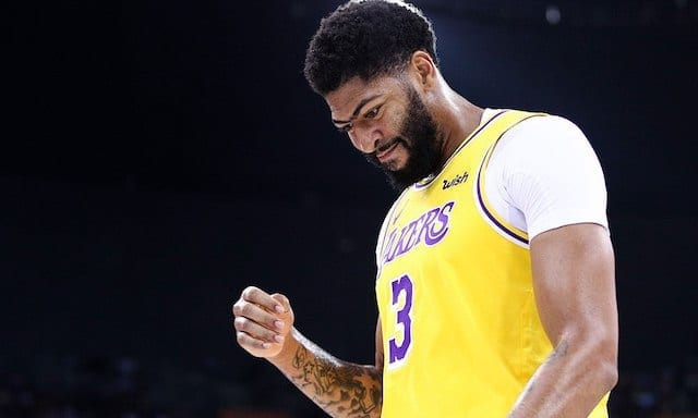 Anthony Davis' thumb injury does not appear to be serious