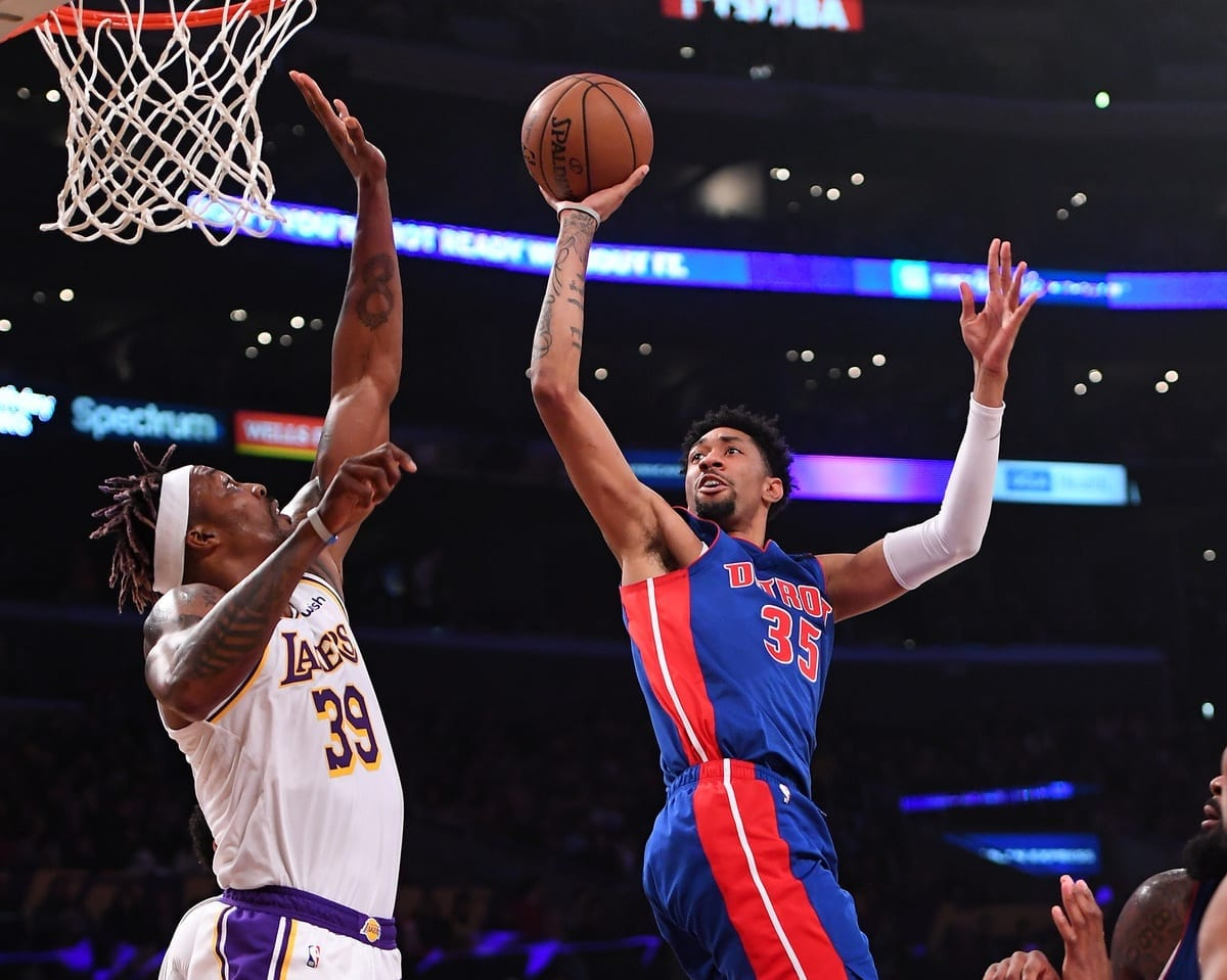 Lakers block 20 shots in win against Pistons Sunday