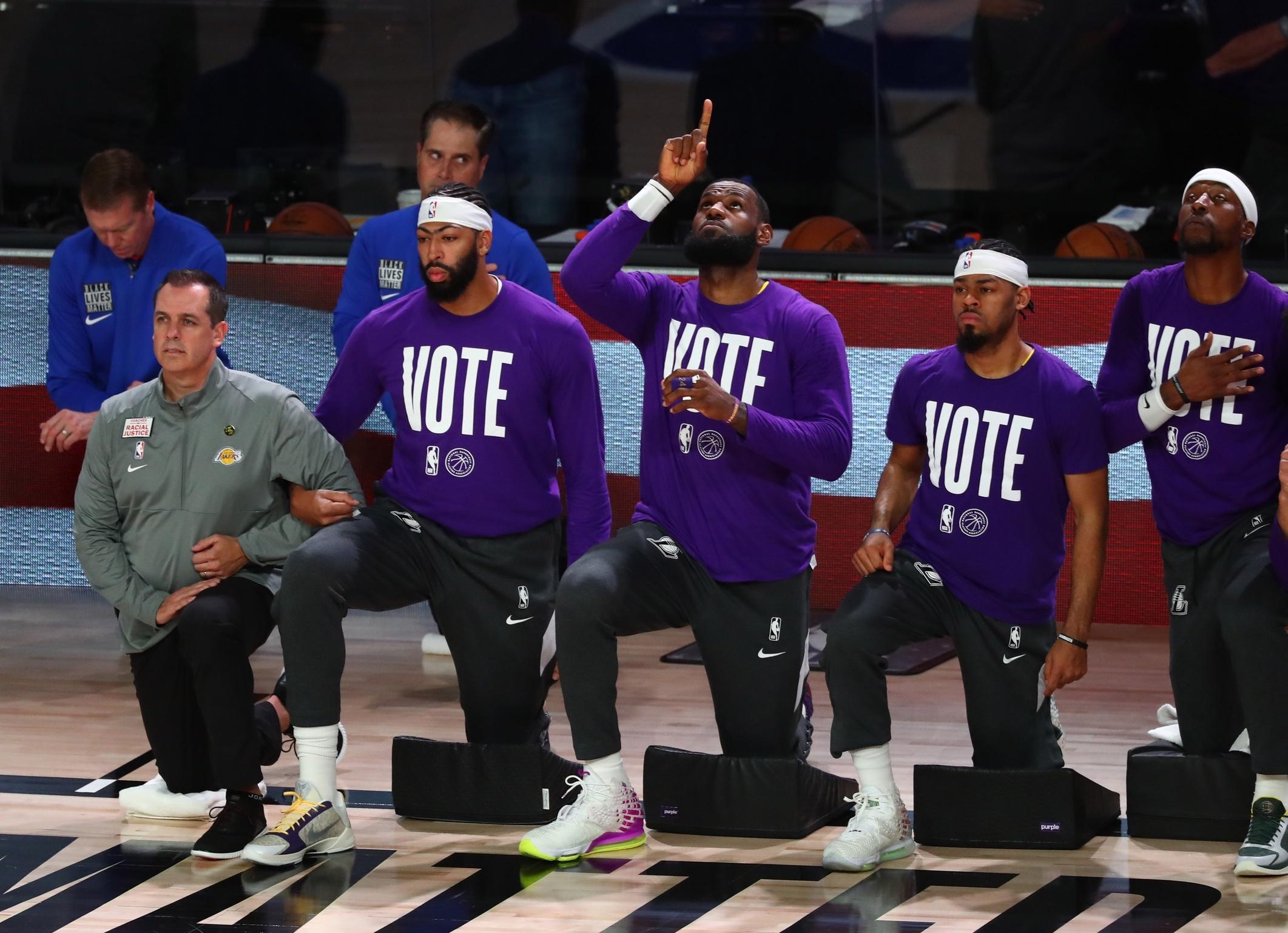 人紅是非多!聯盟部分經紀人:詹皇迷戀於刻意營造傳奇,很多事他都排練好了-黑特籃球-NBA新聞影音圖片分享社區