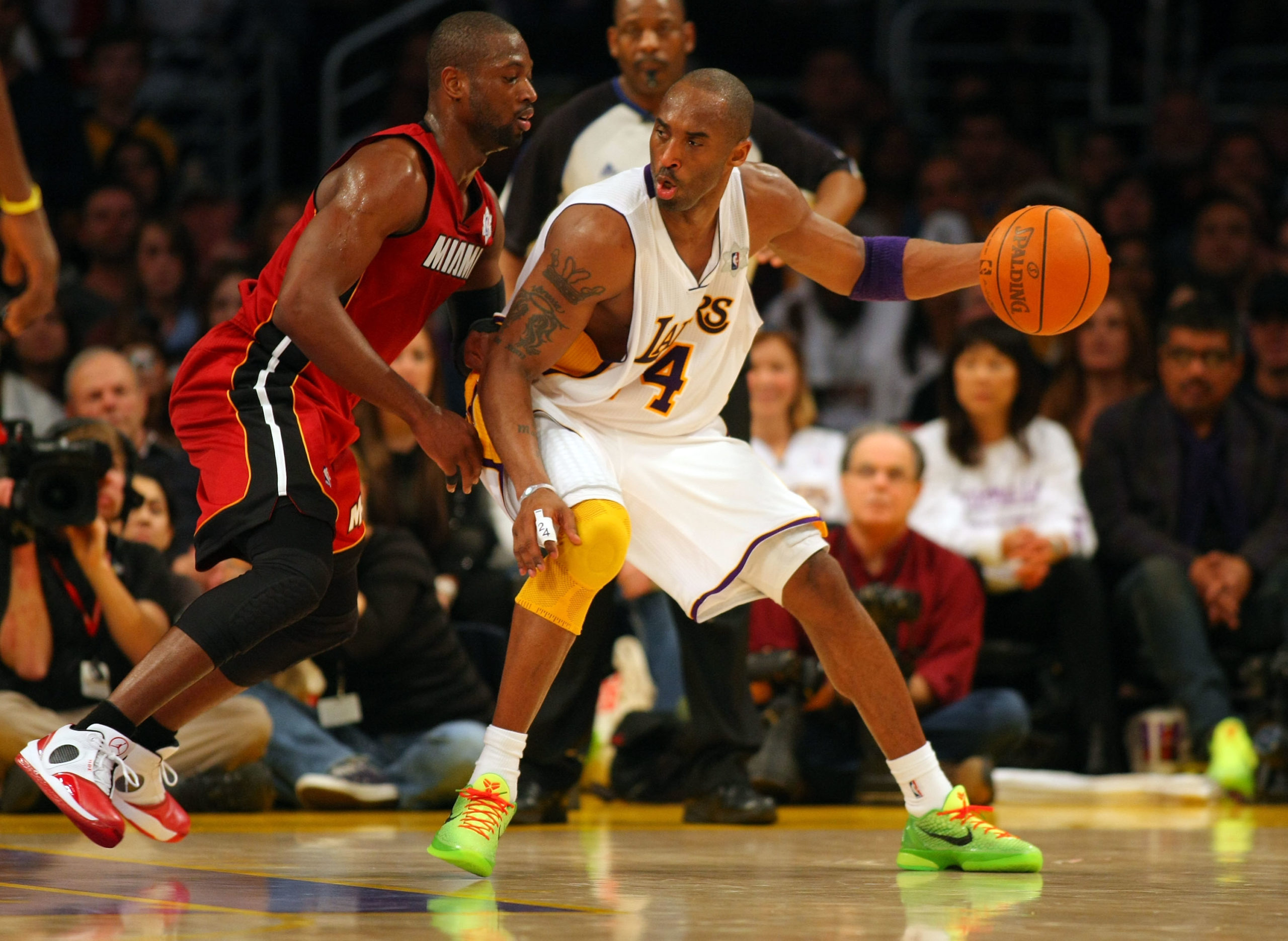 Lakers Video: Anthony Davis Shares Look At Nike Kobe 6 Protro 'Grinch'