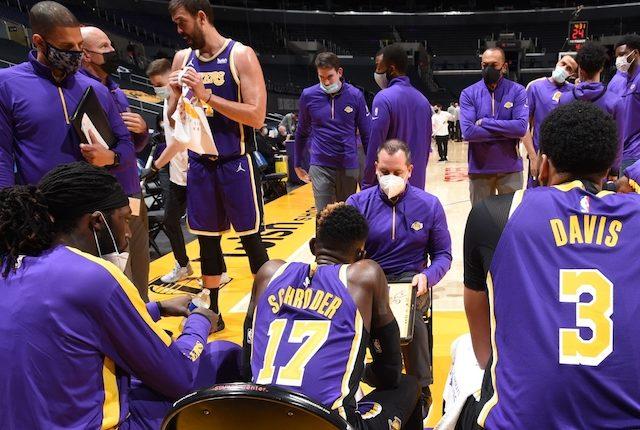 Anthony Davis, Marc Gasol, Montrezl Harrell, Jason Kidd, Dennis Schroder, Miles Simon, Frank Vogel, Lakers huddle