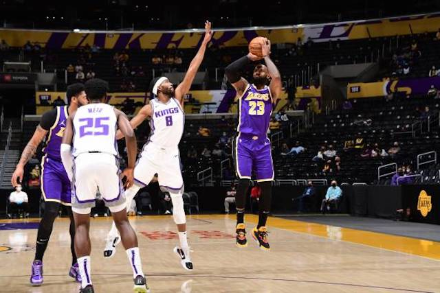 Recap: Lakers Suffer Disappointing Loss To Kings In LeBron James' Return